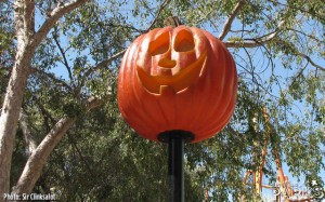 Fright Fest Lamp Post