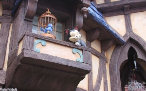 A surprisingly cute element is the Figaro animatronic on a ledge above guests.