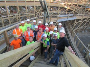 Great America has released is wonderful picture of the fantastic construction crew that has been working non-stop on Gold Striker
