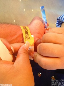 None of the wristbands are time stamped.  So that means, just get in line for the preview.