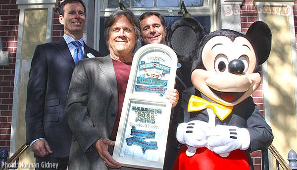 Tom Staggs, Dave Price (Son), Michael Colglazier, M. Mouse