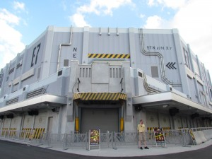 Unrelated: Transformers walls are down, shop is open, meet and greets started at Universal.