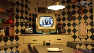 A walk-up meal at one of my favorite restaurants, 50s Prime Time Cafe, was no problem as a solo diner.