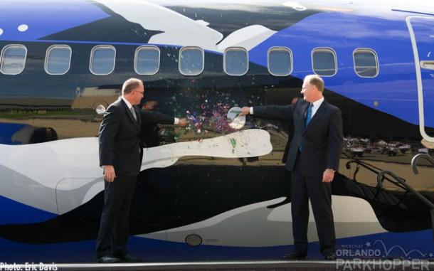 20130620_Southwest-Penguin-Plane-Reveal_19