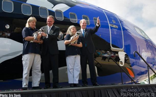 20130620_Southwest-Penguin-Plane-Reveal_22