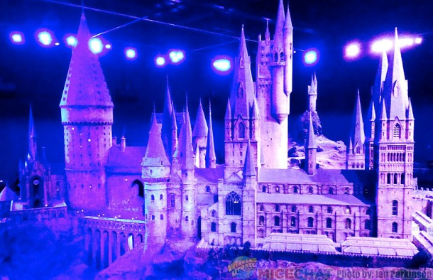 Model of Hogwart's 1:24 Scale with Nighttime Lighting