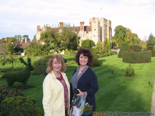 Scarlett and Linda at Hever Castle