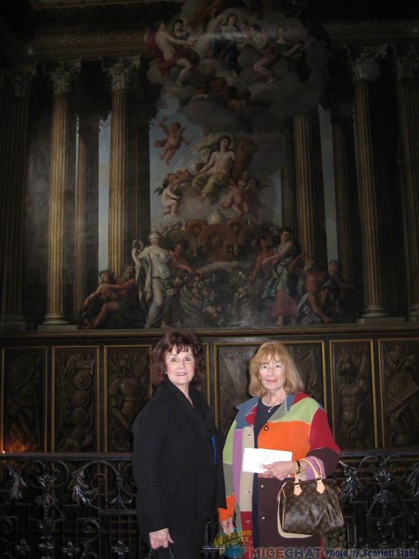 Linda and Scarlett at Hampton Court