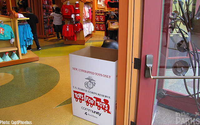 Toys For Tots Merchandise : Candlelight this week at the disneyland resort