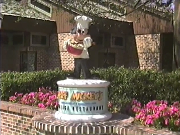05-chef-mickeys