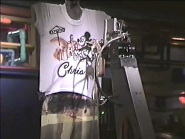 06-mickeys-character-shop-tshirt-machine