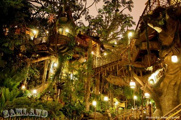 Tarzan's Treehouse at night