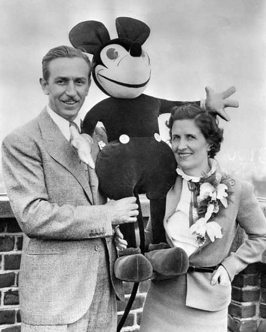 Walt and Lilly on the roof of London Grosvenor Hotel on June 12. © Corbis.
