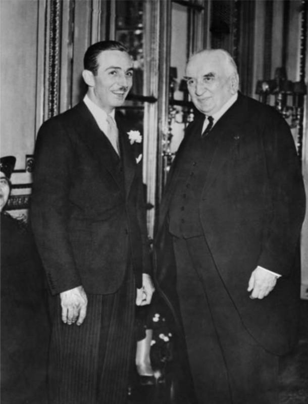 Walt meeting Louis Lumière, legendary cinema pioneer at Paris Hotel Crillon on June 26, 1935 © Corbis.