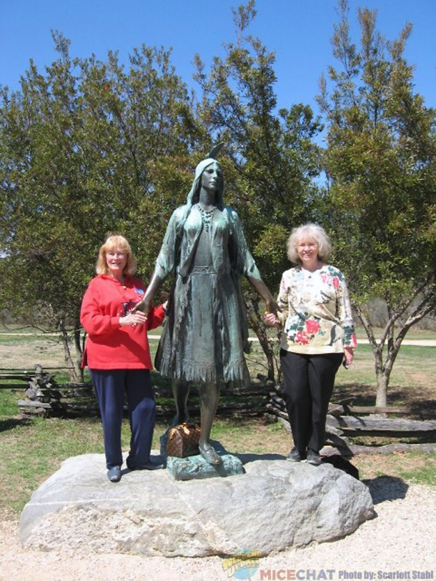 Scarlett and Carol at the Pocahontas statue