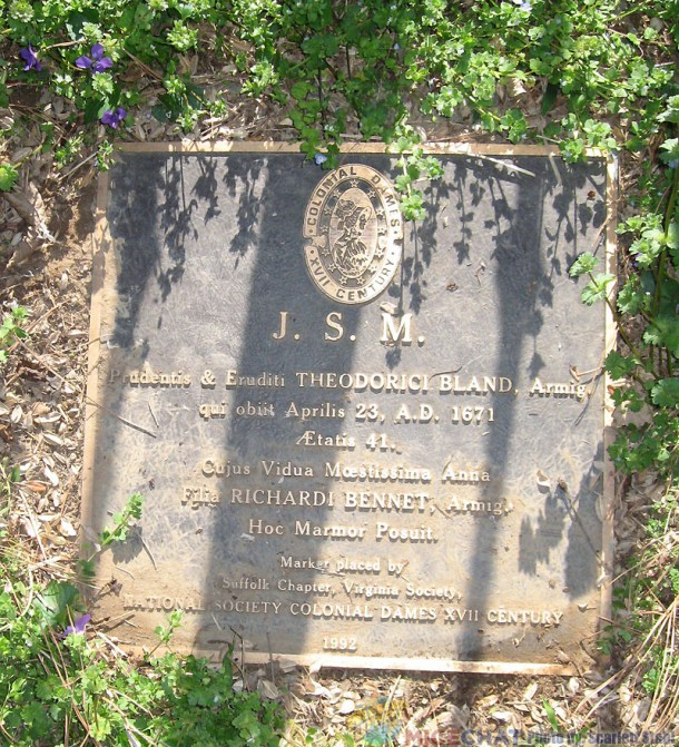 The Bronze plaque from Colonial Dames of the XVII Century