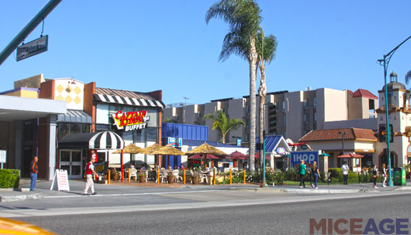 [The Anaheim Resort] Infrastructures publiques, hotels tiers, GardenWalk Pic53