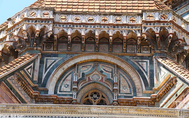 Beautiful tiles cover the Cathedral Santa Maria del Fiore exterior