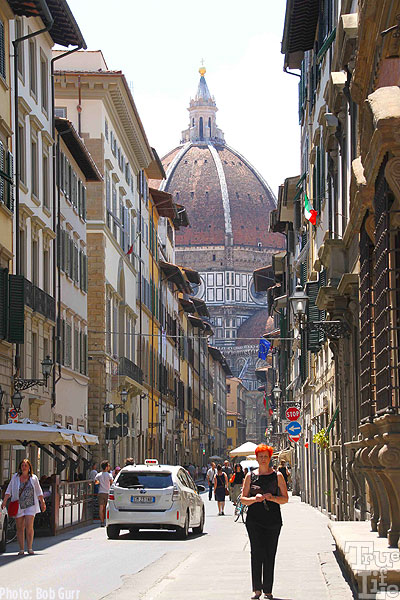 A glimpse of the dome atop the Cathedral Santa Maria del Fiore