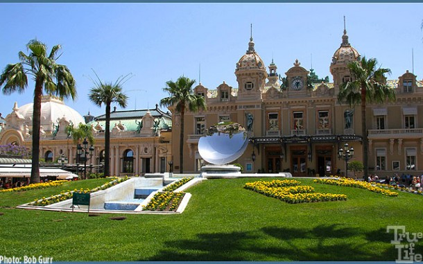 The Casino is located in a very beautiful square next to the Hotel Parisien