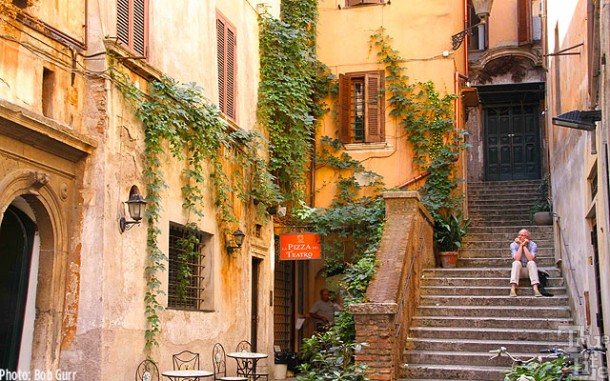 All of Rome is filled with wonderful little scenes for avid wonderers