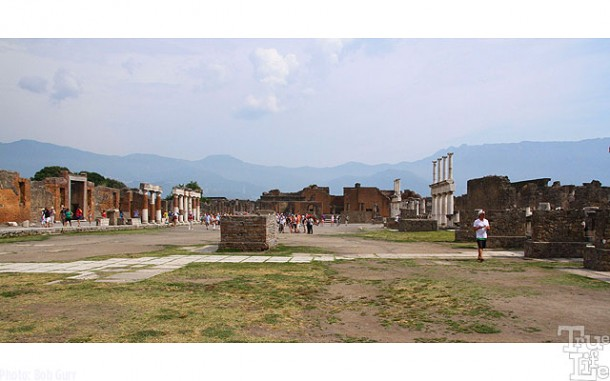 The Forum was the center of Pompeii civil life.
