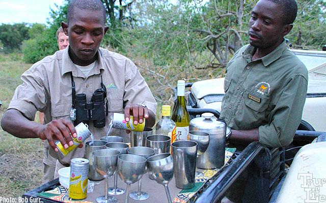 The Banoka rangers prepare the gin and tonics for everyone