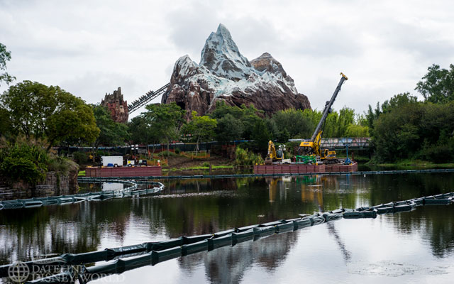 Not much new to see when it comes to Rivers of Light construction.