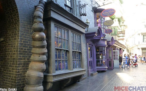 Even popular Diagon Alley is empty at the start of early entry for hotel guests