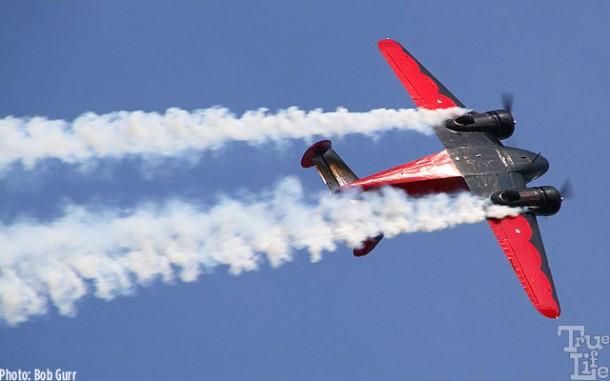 A Beechcraft 18 executive aircraft can fly aerobatics very easily