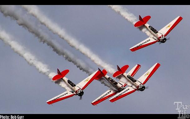 Aeroshell aerobatic team of WWII North American T-6