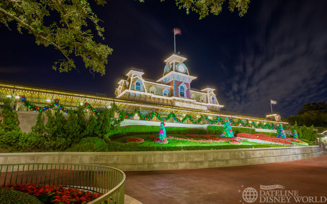 Good night from a festive Magic Kingdom!