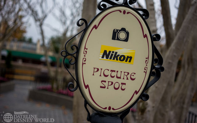 Nikon overthrew Kodak as the main camera sponsor for the resort.