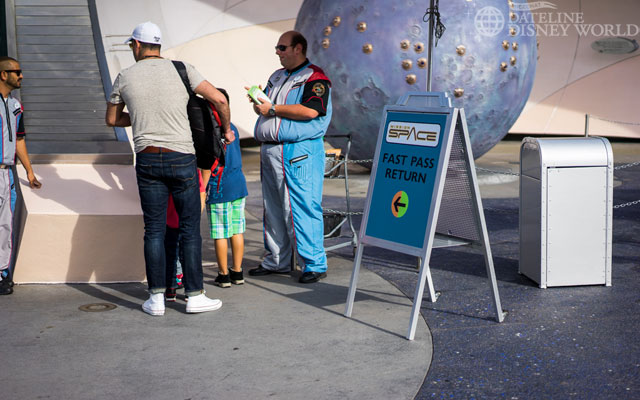 Mission: Space has a new standby/FP strategy with FP being on the left...