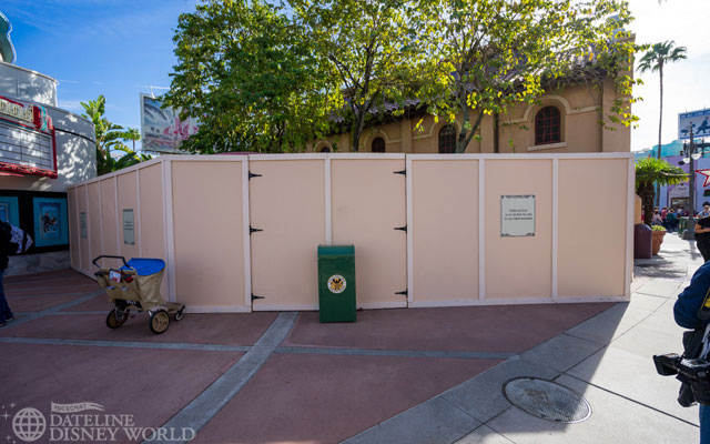Walls are still up on the Sunset Blvd side of the Cafe.