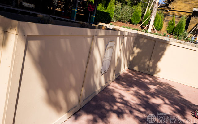 Disney also apparently just decided to uses refurbishment walls here instead of theming or something up to show standards.