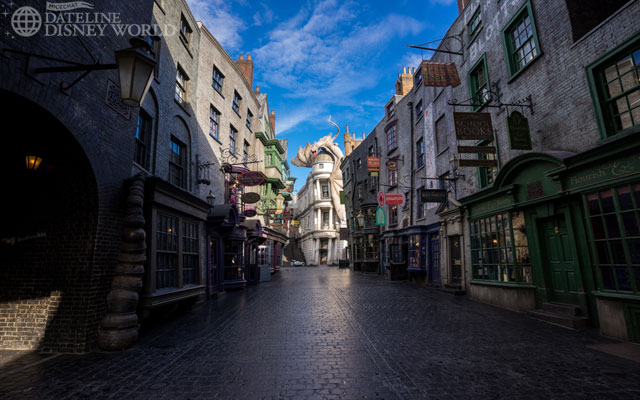 It is definitely worth showing up at rope drop for pictures like this of Diagon Alley.