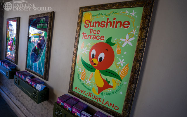 Orange Bird has a sign in the tunnel again! More on him later.