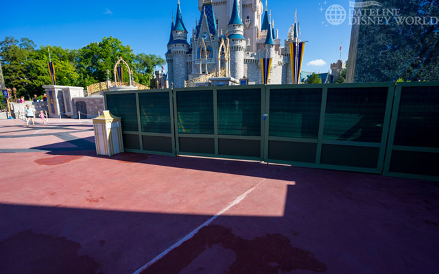 The right side pathway up to the Castle is currently closed.