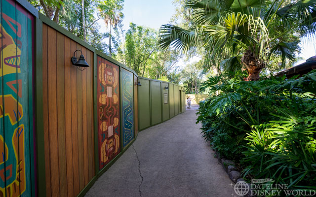 These walls head toward what will be Pandora (Avatar). It used to be wide open, but is now a tiny little path.