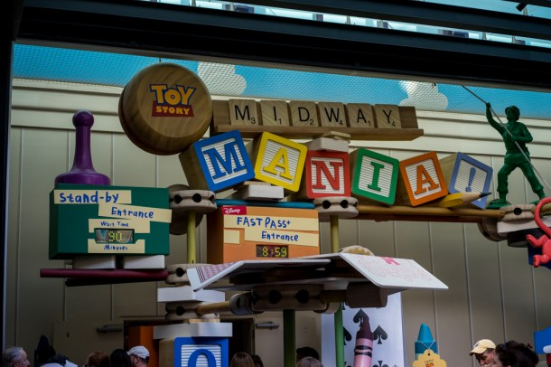 90 minute wait for Midway Mania. At 8:59am. Yikes.