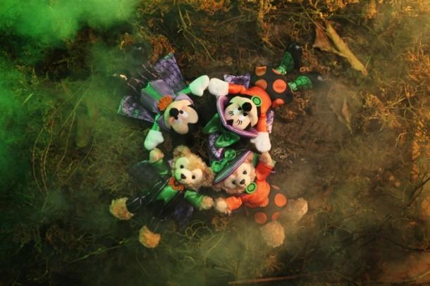 Disney-Haunted-Halloween-Merchandise_Group-Photo_1-694x463