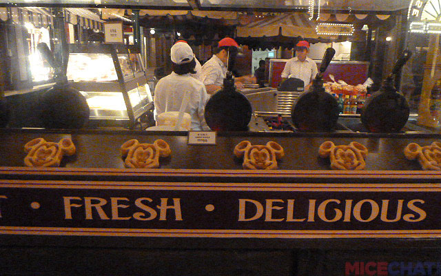 At the entrance to Center Street, a kiosk serves Mickey waffles with lots of fruit and other goodies heaped on top.