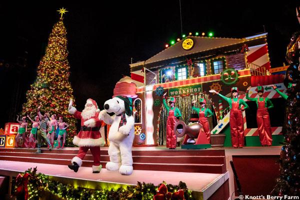 Snoopy's-Merriest-Tree-Lighting-Santa-and-Snoopy-Wide