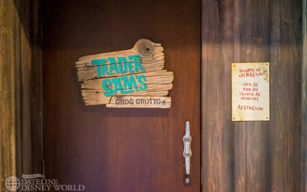 Trader Sam's Grog Grotto opened, impressing fans with its great attention to detail and drinks!
