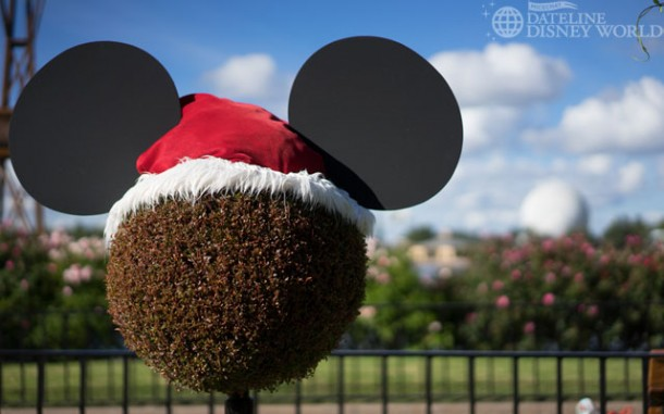 Cute Santa Mickey.