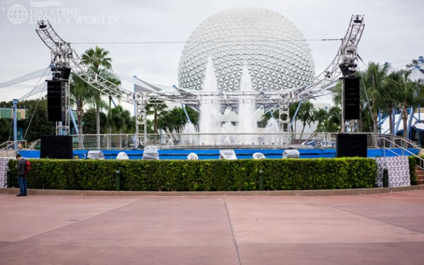 The stage is up still, but the performances are done. These speakers, however, were blasting Katy Perry music. In the middle of Future World, that doesn't make a ton of sense.