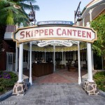 Skipper Canteen is open in Adventureland, and while I can't afford to eat there, the CMs were kind enough to let me in for a few photos.