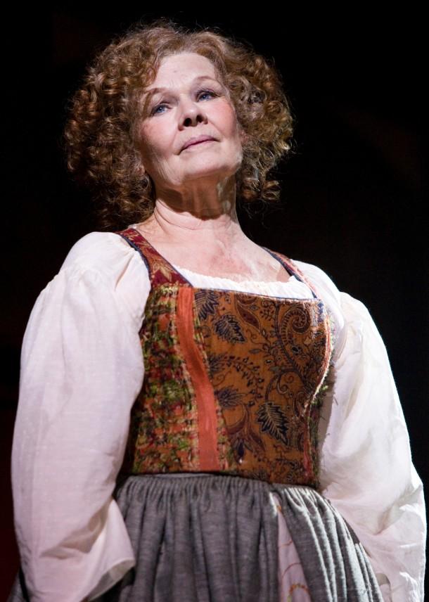 Judi_Dench_The_Merry_Wives_of_Windsor__2006_Stewart_Hemley__c__RSC_112354