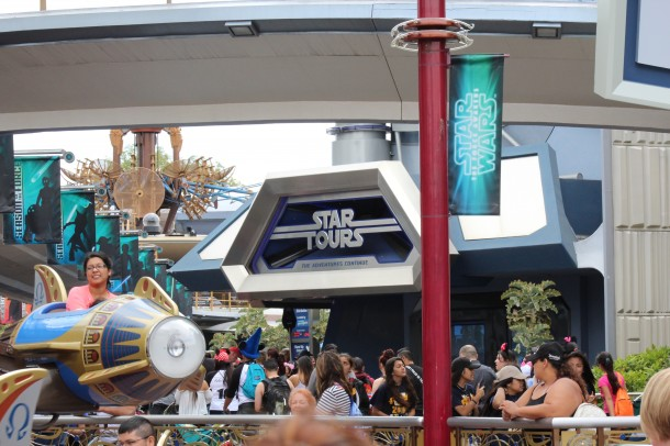 Star Tours reverted to the randomized sequences recently, incorporating the new scenes from The Force Awakens into the mix.